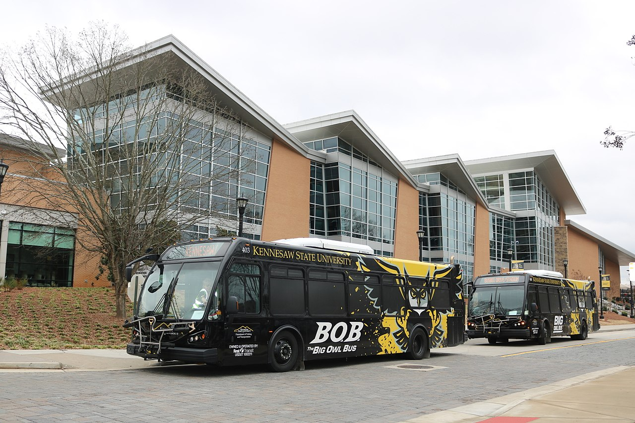 Shot of a building and bus at Kennesaw State University in Georgia