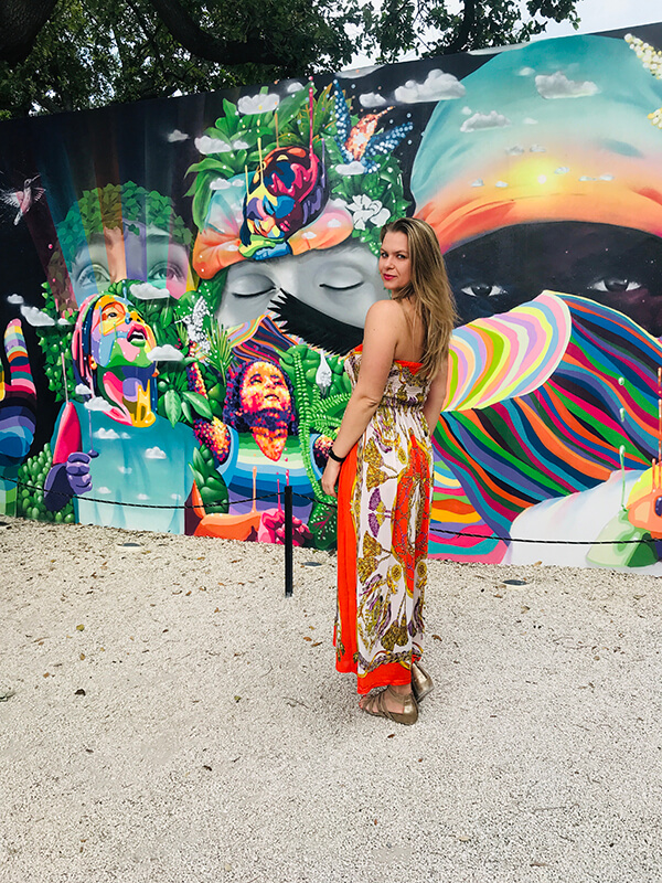 Egle Jakuciunaite experiencing a new culture while travelling overseas